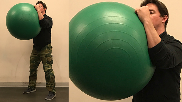 فشار دادن توپ بدنسازی