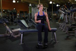 ساق نشسته با دمبل تک پا برای خانم ها