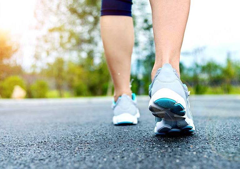 طوری برنامهریزی کنید که بتوانید روزانه ۱۰۰۰۰ قدم پیادهروی داشته باشید