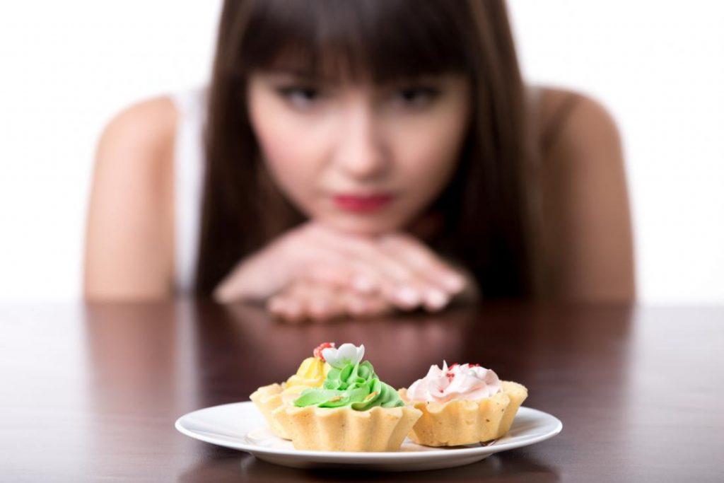 غذا خوردن کم و به اندازه ناکافی